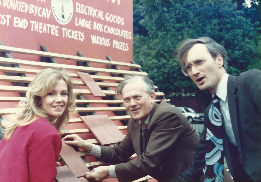 Hayley Mills, Barney Hayhoe and Sir George Young, with the Tile Appeal